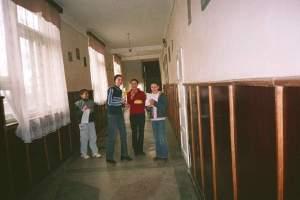 copiii-la-scoala-din-dveni